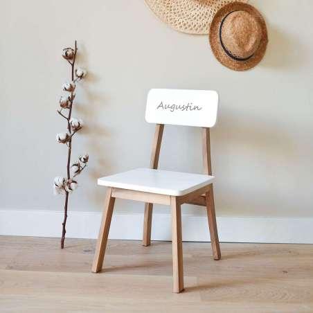 Chaise maternelle gravée - blanche