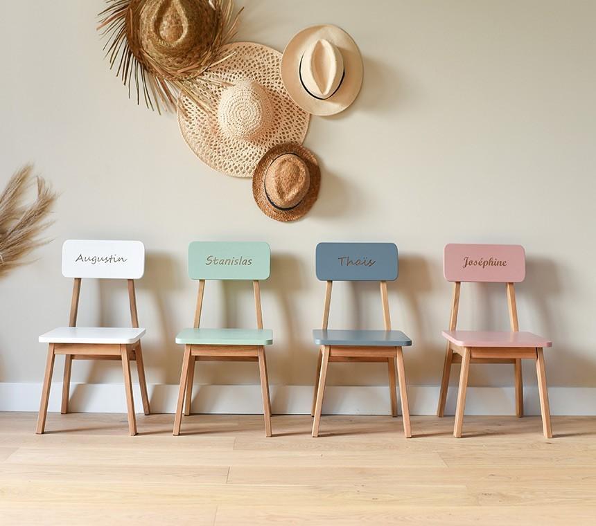 Chaises maternelles en bois personnalisées pour enfants
